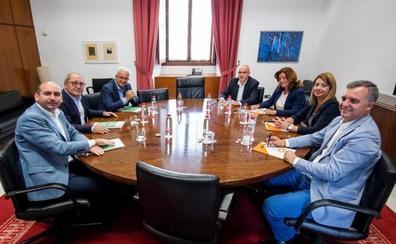 El PSOE trata de convencer a Cs de que le permita gobernar en Jaén y Granada