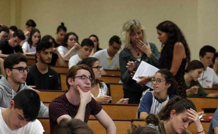 Más de 7.700 estudiantes de Málaga y provincia realizan las pruebas de acceso y admisión a la universidad