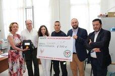 CSIF colabora con Bomberos de Marbella para dotar de un desfibrilador al IES Río Verde