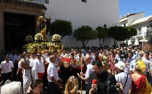 Devoción por San Bernabé en el día grande de la feria