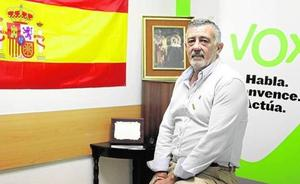 Un grupo de militantes de Vox en Málaga presenta una moción de censura a José Enrique Lara