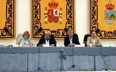 El Ayuntamiento de Estepona reduce en ocho años el 60 por ciento de la deuda heredada