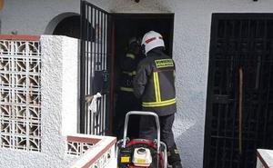 Trasladan al Virgen del Rocío de Sevilla al hombre herido grave tras la explosión de una bombona en Benalmádena