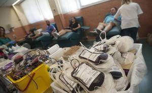 El CRTS de Málaga anima a participar en una campaña especial para lograr más de 400 donaciones de sangre