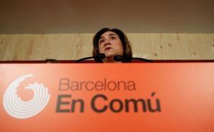 Colau busca el aval de las bases a su apuesta de ser investida por el PSC y Valls