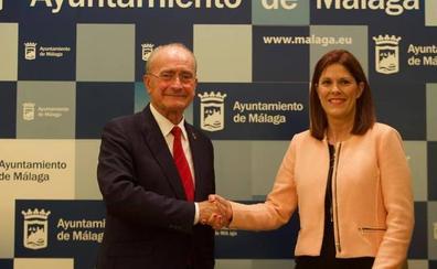 PP y Cs firman in extremis un pacto que permite a De la Torre seguir de alcalde