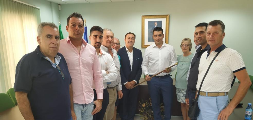 La abstención de una edil del PSOE permite la elección del popular Manuel Ríos como alcalde en Arenas