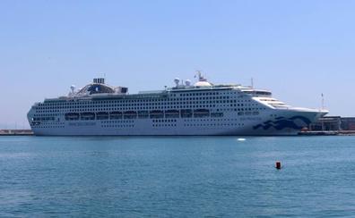 Málaga invierte la tendencia nacional y gana un 10% de cruceristas hasta abril