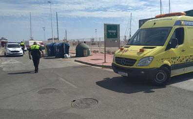 Se lanza al mar sin saber nadar para evitar ser linchado tras agredir a un hombre en Caleta de Vélez