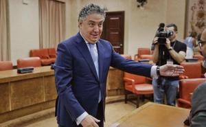 Juanma Moreno ficha como secretario general de Presidencia a Tomás Burgos, viejo amigo del 'clan de Becerril'