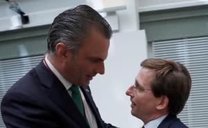 El PP negocia con Vox las tareas de gobierno que asumirá en Madrid