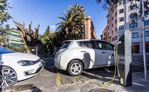 La compra de un coche eléctrico tendrá una ayuda de 5.500 euros desde mañana