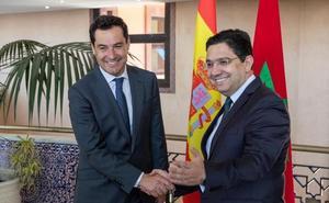 Juanma Moreno exige a la UE más recursos para controlar los flujos migratorios en el sur de Europa