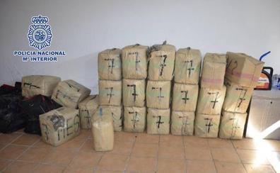 Desarticulan una red de narcotraficantes que ocultaba hachís y marihuana en naves y viviendas para su posterior traslado al extranjero