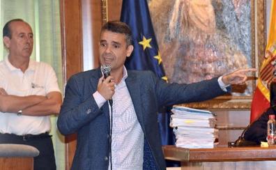 Bernal compaginará su cargo en la Diputación con la portavocía en Marbella