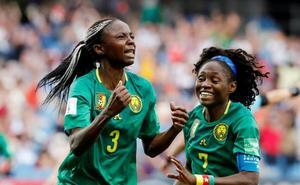 Camerún gana a Nueva Zelanda y echa a Argentina del torneo