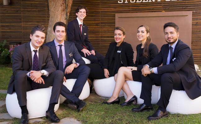 Les Roches Marbella, la élite del sector turístico se forma en Málaga