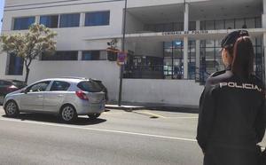 Detenida en Marbella una joven de 19 años por publicar en Internet fotos íntimas del padre de su hija