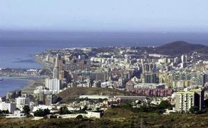 Mata a un hombre en un bar de Fuengirola atacándole con dos botellas rotas