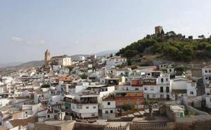 Buscan al responsable de incendiar un almacén de un restaurante del centro de Vélez-Málaga