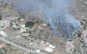 Estabilizado un incendio forestal en Rincón de la Victoria