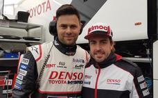 El malagueño que pasó de camarero a campeón junto a Fernando Alonso de las 24 horas de Le Mans