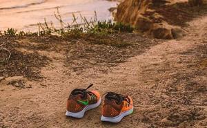 El misterio de las zapatillas de Nike que están apareciendo en las playas
