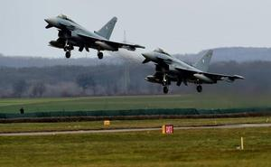 Muere un piloto al tocarse en vuelo dos aviones Eurofighter en Alemania