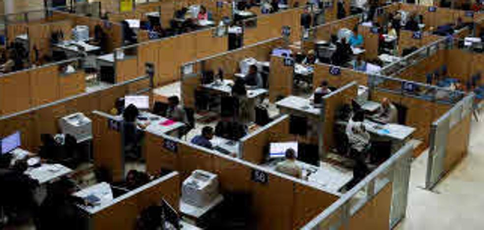 La Administración pierde más de 115.000 funcionarios en la última década