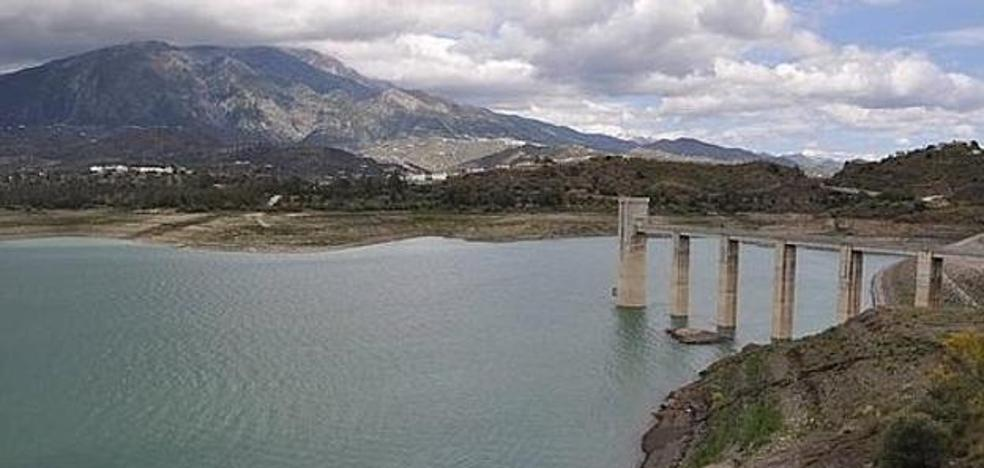 The Axarquía still has 11 hm3 of marsh water for irrigation until October