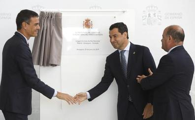 La llegada del AVE a Granada une a los políticos en el viaje inaugural