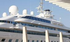 Uno de los megayates más lujosos del mundo hace escala en Málaga