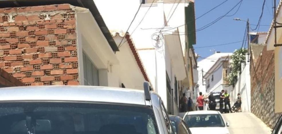 Arrested after beating his wife and son in Vélez-Málaga