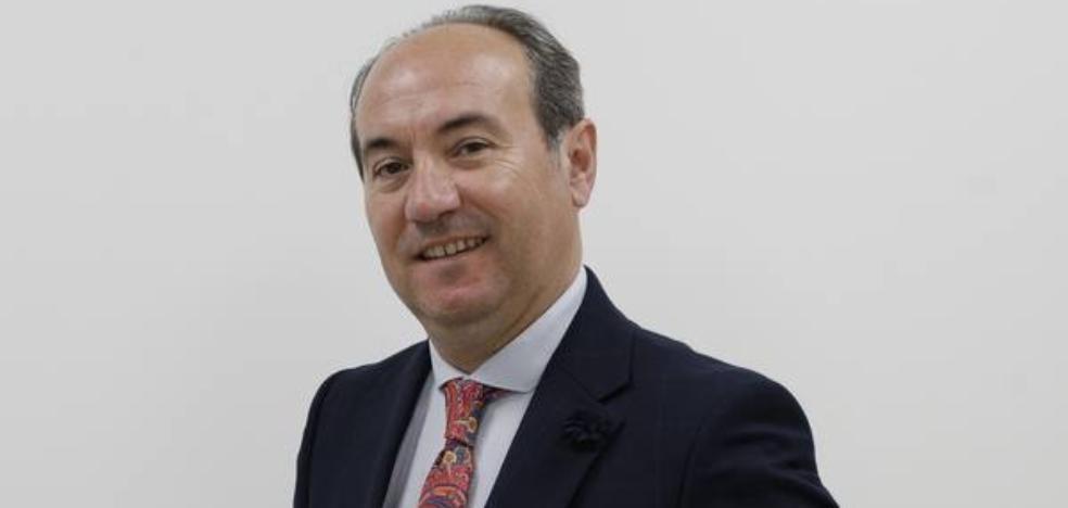 José Antonio Trujillo: «En la columna escribes sin red»