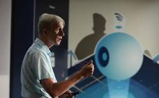 Kevin Warwick: «Poder comunicarnos cerebro a cerebro lo cambiará todo»