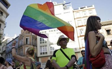 Málaga se llena de banderas, colores y alegría por el Orgullo LGTBI