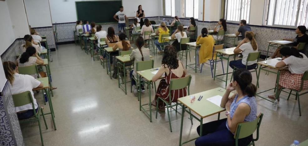 Opositores exigen a la Junta responsabilidades por los fallos en los exámenes