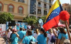 Málaga acude a la llamada de ayuda por el Padre Cacho, realizada por la Fundación El Pimpi