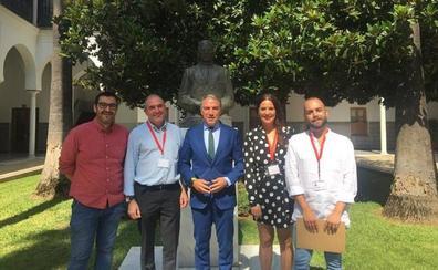 Casares lleva a la Junta su petición de un nuevo colegio para la Costa