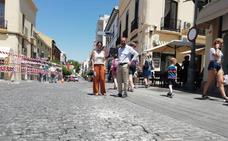Obras arregla el pavimento de la plaza de España
