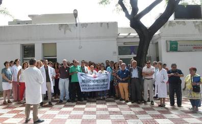 Profesionales sanitarios exigen soluciones para atajar las agresiones contra el colectivo
