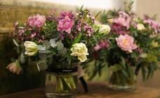 Denuncian una estafa de 9.000 euros mediante tarjetas de regalo en una floristería de Torremolinos