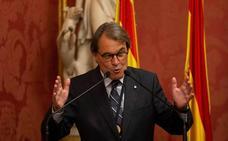 Mas reta a Puigdemont y se abre a negociar la investidura de Sánchez