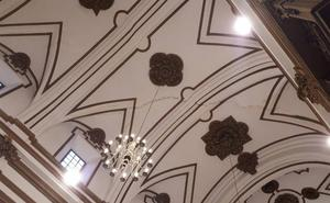 Urbanismo ordena colocar una malla bajo la grieta de la iglesia del Sagrario