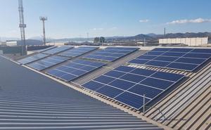 La empresa malagueña Acristalia instala la mayor cubierta solar de Andalucía