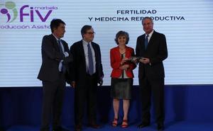 FIV Marbella, galardonada con el Premio 'A tu salud' en Medicina Reproductiva y Fertilidad