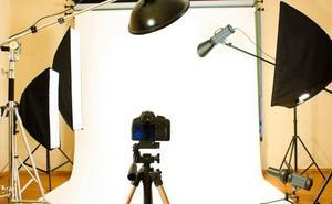 Procesan a un fotógrafo por 47 delitos de tipo sexual, contra la intimidad y de estafa