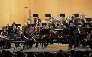La Junta se compromete a no escatimar esfuerzos para mejorar la situación de la orquesta de Málaga