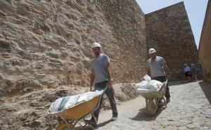 Urbanismo inicia las obras de reparación en el castillo de Gibralfaro