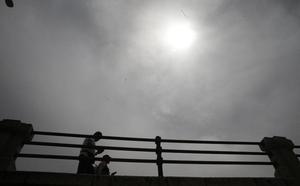 La calima y las tormentas dejarán pequeñas precipitaciones de barro en Málaga